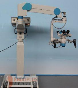 szemészeti operációs mikroszkóp cseppentve a szembe a látás tesztelésére