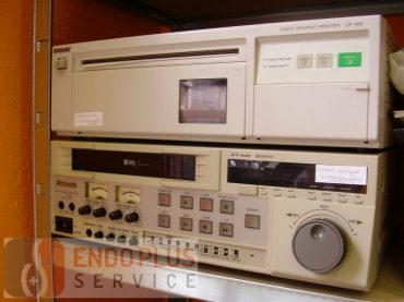 Sony printer, VHS magnó, használt orvosi műszer